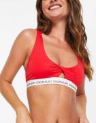 Calvin Klein - Rød bikinitop med logo